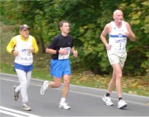 Maciej Frankiewicz na trasie maratonu