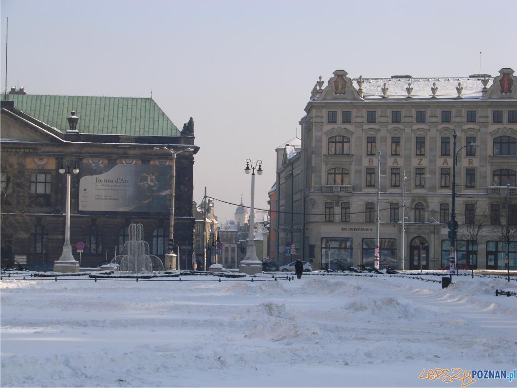 Widok na ulicę Paderewskiego - po prawej stronie Bazar  Foto: