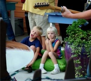 dzieci na koncercie Foto: sxc