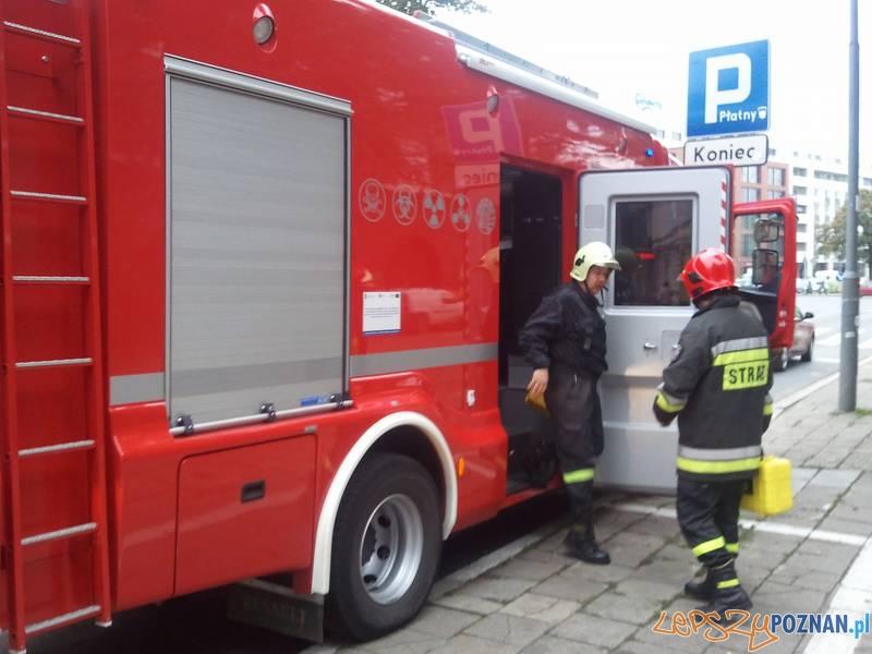 Strażacy - ratownictwo chemiczne  Foto: lepszyPOZNAN / gsm
