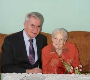 sto-trzecie urodziny mieszkanki Czerwonaka