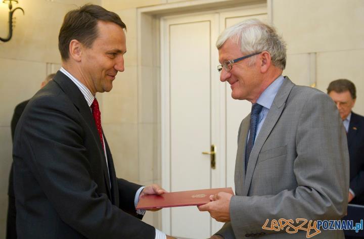 Profesor Ziółkowksi z ministrem spraw zagranoicznych, Radosławem Sikorskim Foto: facebook