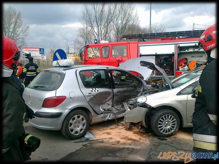 Wypadek przy Rondzie Żegrze  Foto: Marek Maciejewski