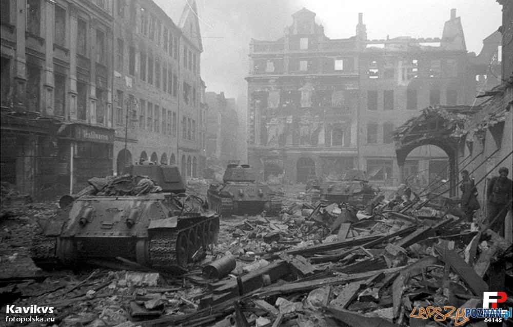Stary Rynek w 1945 roku Foto: fotopolska.eu