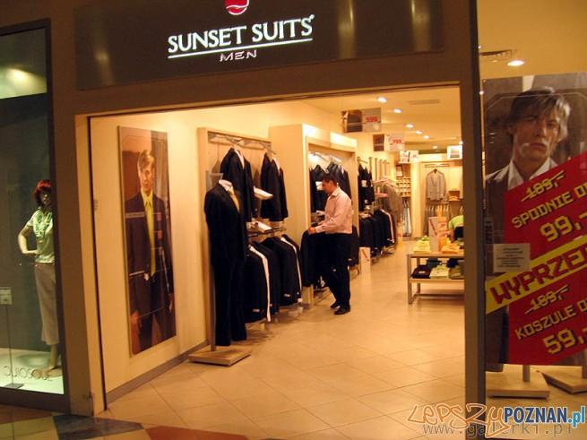0d3c6e0c0f0f4 Sunset Suits ratuje swoje garnitury – Lepszy Poznań – informacje z ...