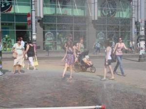 Kurtyny wodne - doskonała ochłoda! Foto: lepszyPOZNANA.pl / ag