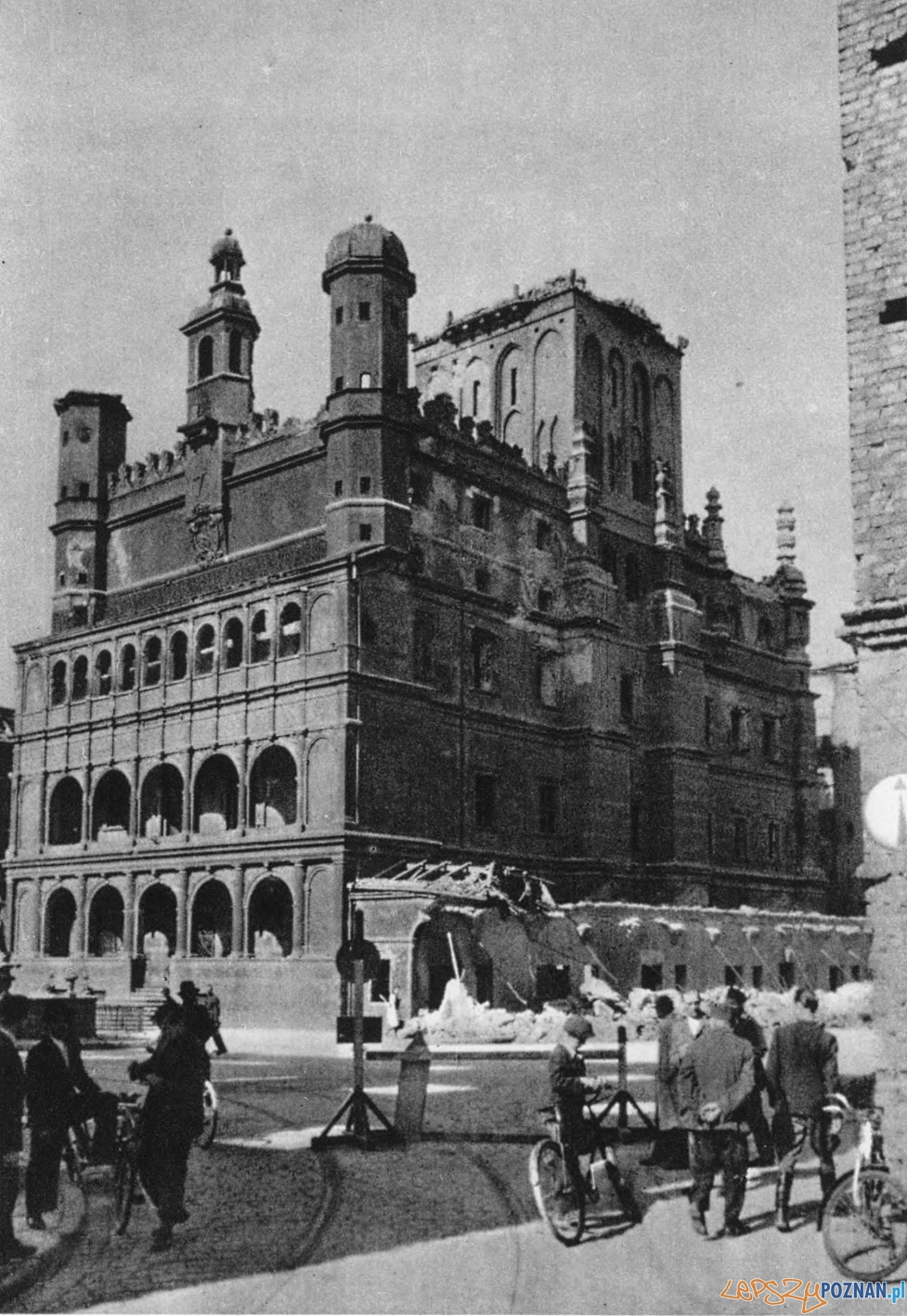 Ratusz w 1945 roku Foto: fotopolska