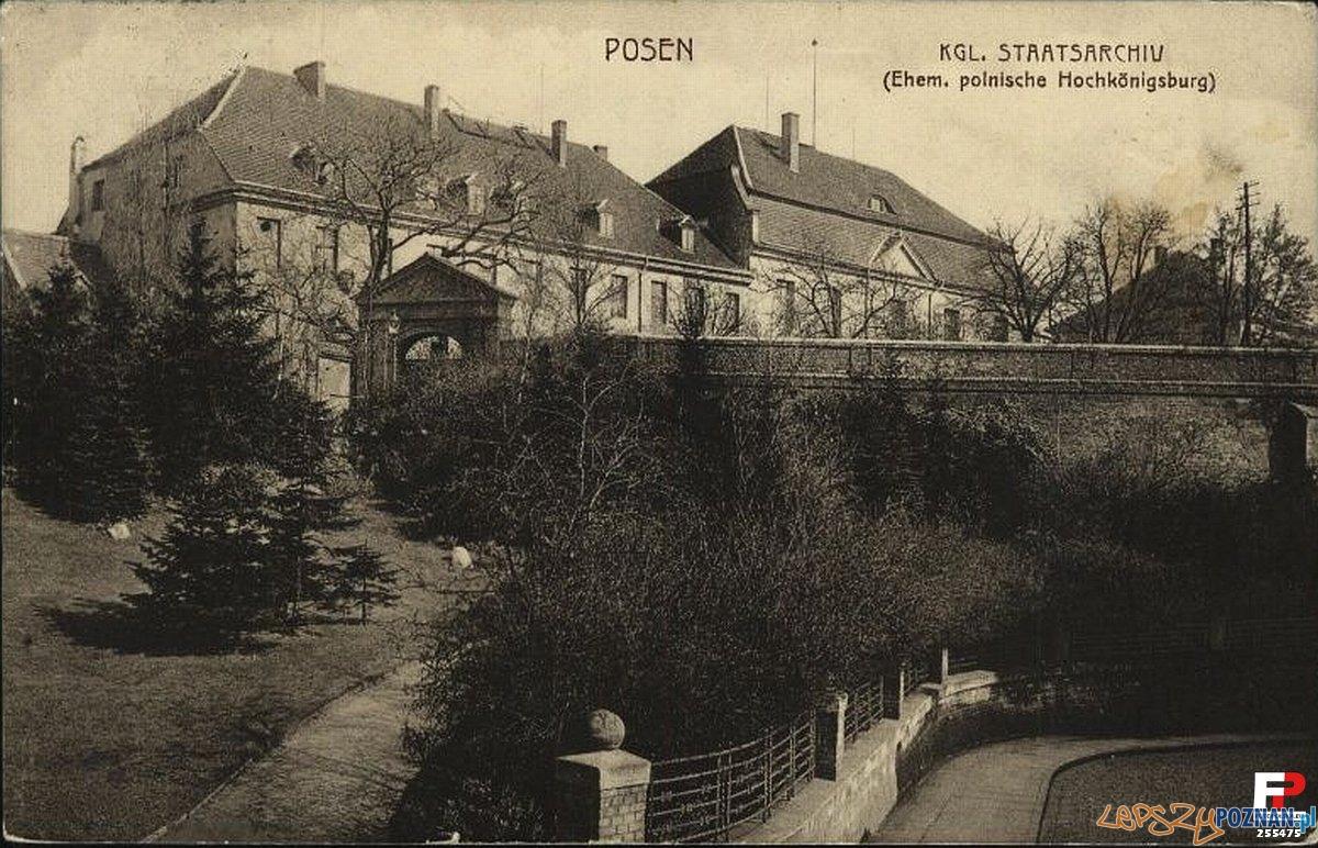Wzgórze Przemysła w 1903 roku, w dawnym zamku mieściło się niemieckie archwum państwowe Foto: fotopolska.eu