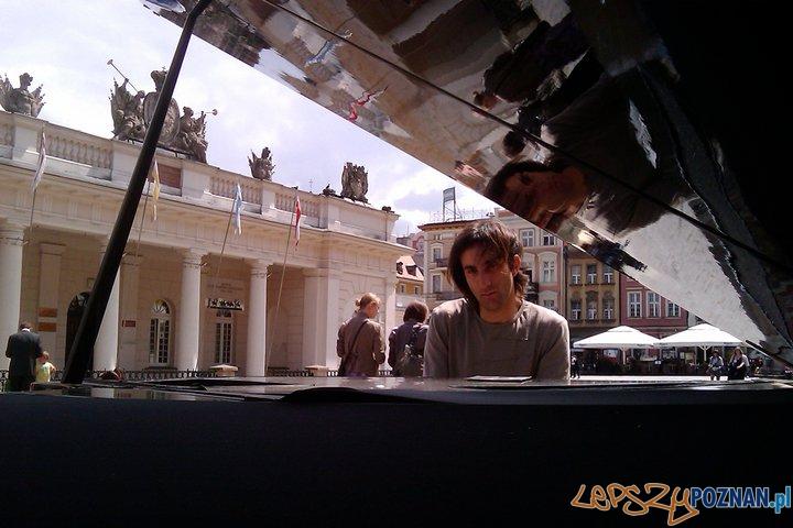 Davide Martello na Starym Rynku  Foto: Jakub Paluszkiewicz