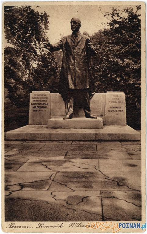 Pierwszy pomnik Wilsona w Poznaniu  Foto: http://poznan.wikia.com