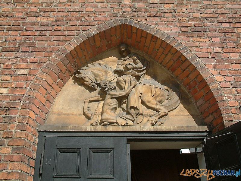 Tympanon w kościele św. Marcina w Poznaniu - 1953 r Foto: wikipedia