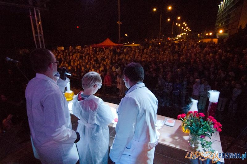 Noc Naukowców 2011 - Politechnika Poznańska - Chemia Open Air Foto: lepszyPOZNAN.pl / Piotr Rychter