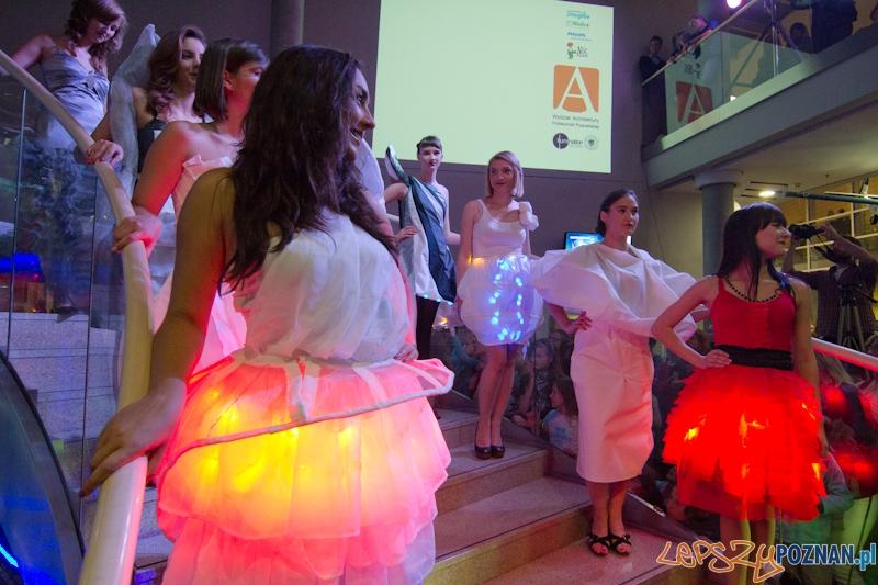 Noc Naukowców 2011 - Politechnika Poznańska - Pokaz mody: ARCHITEKTURA MODY 2011 Foto: lepszyPOZNAN.pl / Piotr Rychter