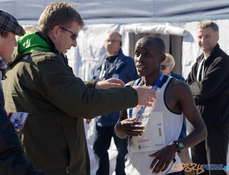 12 Poznań Maraton - Cosmas Mutuku Kyeva - Poznań 16.11.2011 r.  Foto: lepszyPOZNAN.pl / Piotr Rychter
