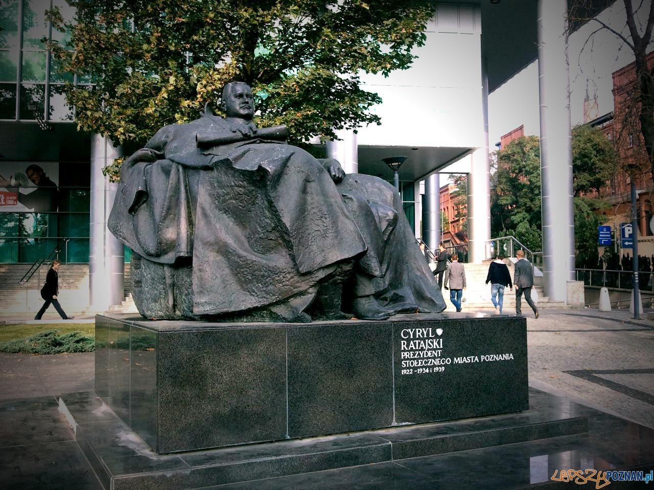 Pomnik Cyryla Ratajskiego