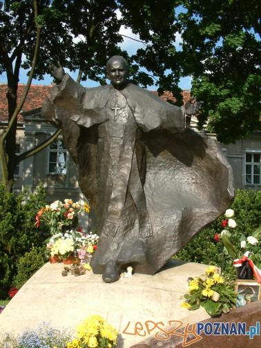 Pomnik Jana Pawła II na Ostrowie Tumskim