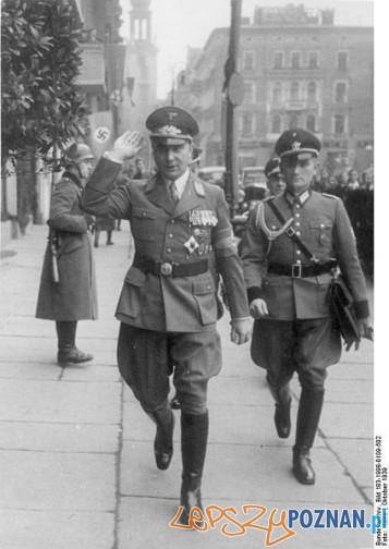 Bundesarchiv_Bild_183-1998-0109-502,_Arthur_Greiser_in_Posen