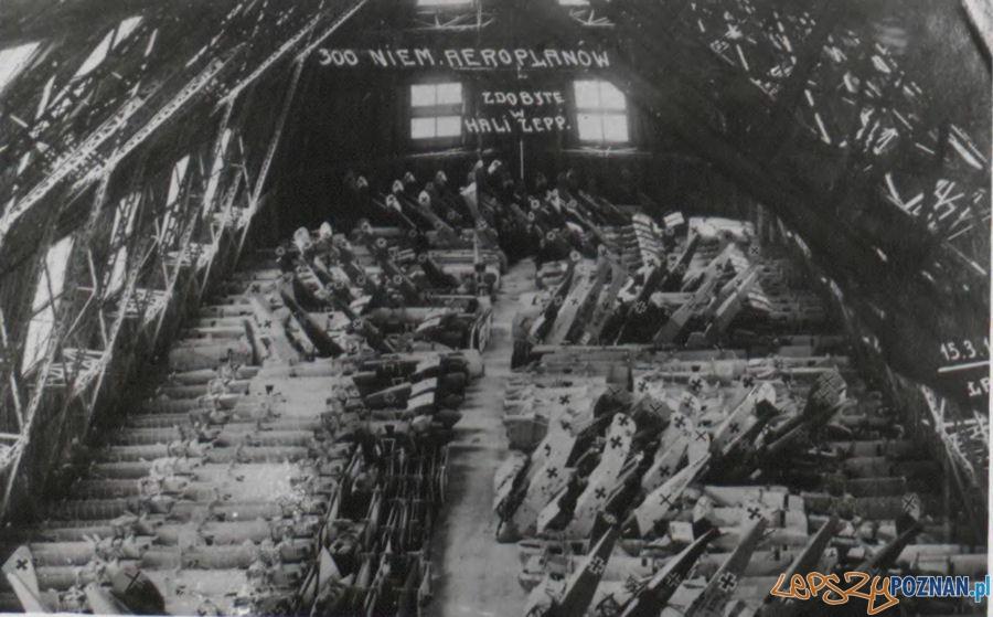 Niemiecki sprzęt lotniczy zdobyty przez powstańców w Hali Zeppelina w Poznaniu w grudniu 1918 r Foto: Archiwum Państwowe w Poznaniu