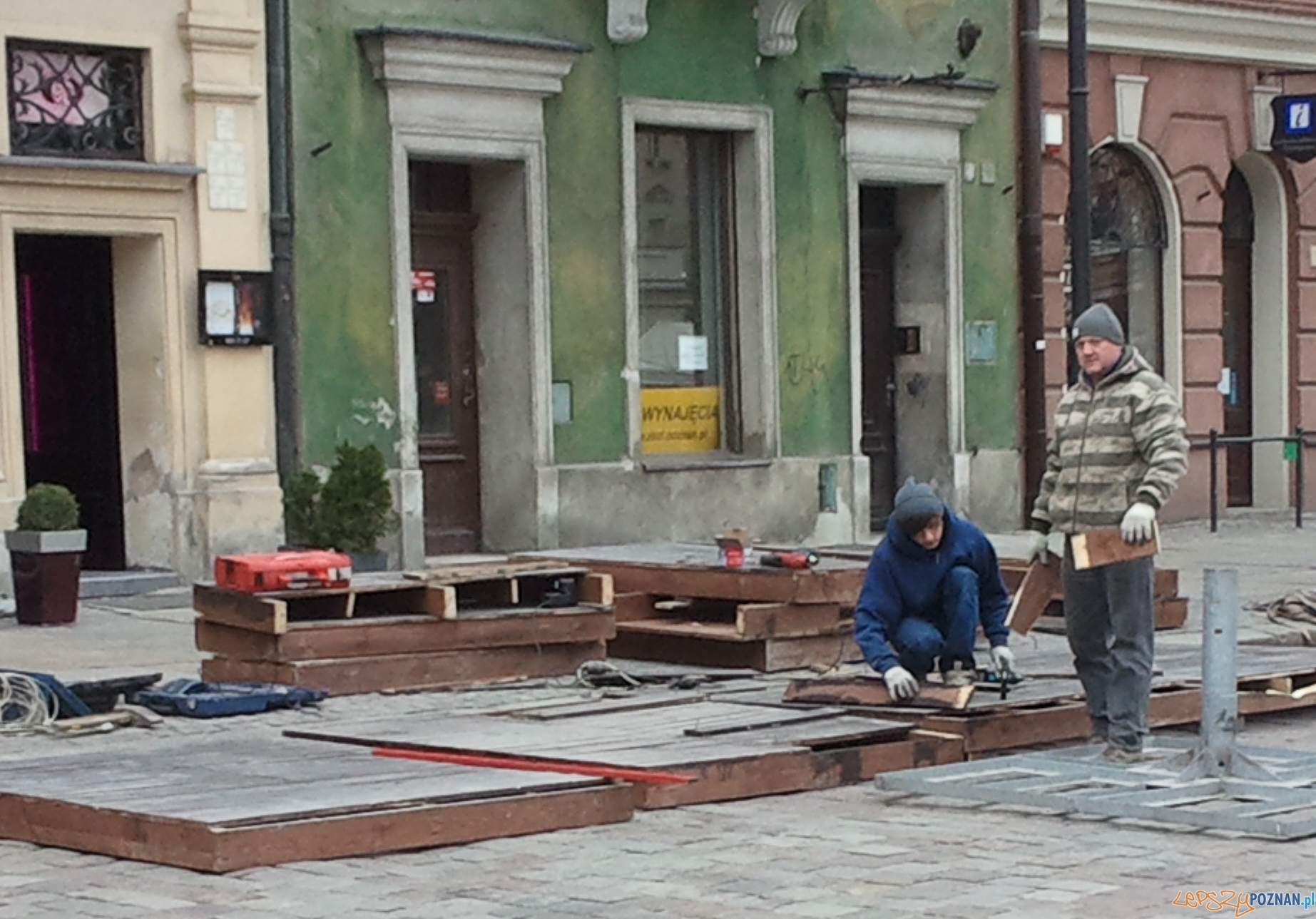 Szybka migawka - powstają już ogródki na Starym  Foto: lepszyPOZNAN.pl / gsm
