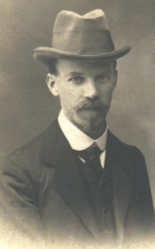 Adam Skałkowski, zdjęcie z roku 1906
