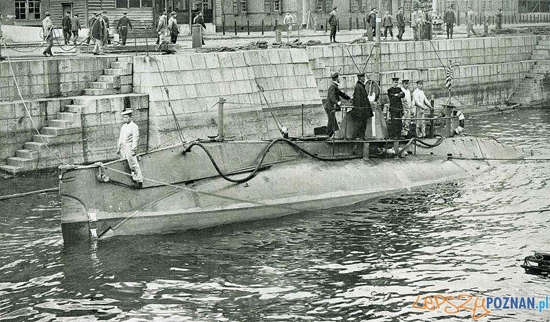 Pierwszy amerykański okręt podwodny skonstruowany przez J.P. Hollanda Foto: wikipedia