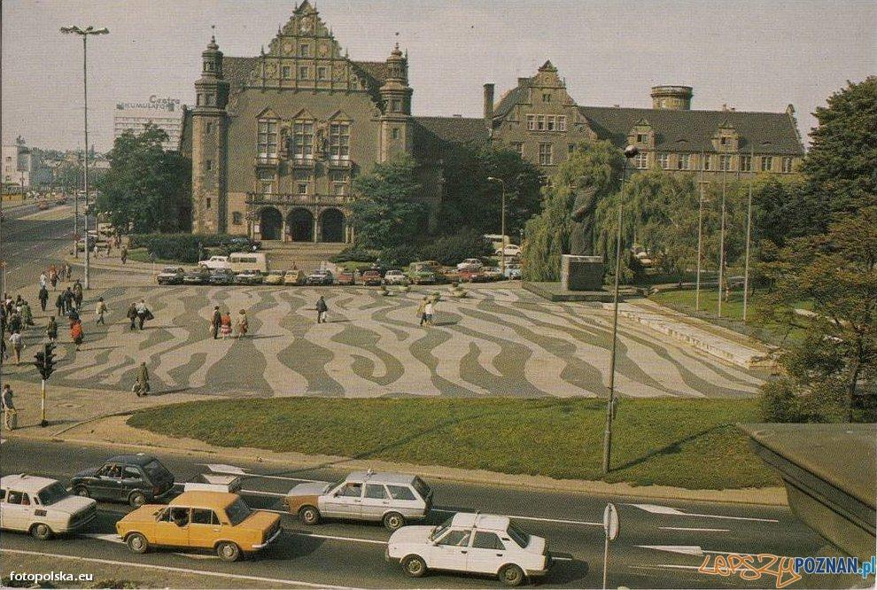 Plac Mickiewicza, początek lat 80-tych Foto: fotopolska.eu