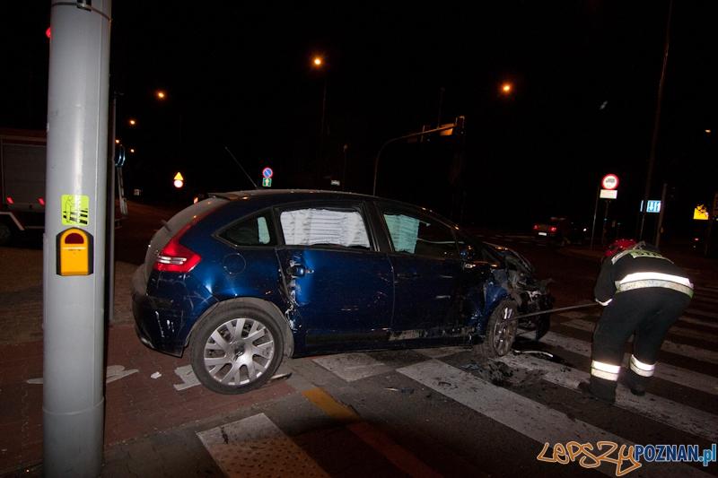 Wypadek na krzyżówce Przybyszeskiego i Bukowskiej - Poznań 19.05.2012 r. Foto: LepszyPOZNAN.pl / Paweł Rychter