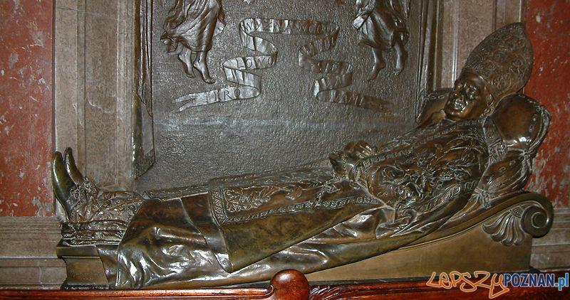 Nagrobek kardynała Ledóchowskiego w poznańskiej katedrze Foto: wikipedia.pl