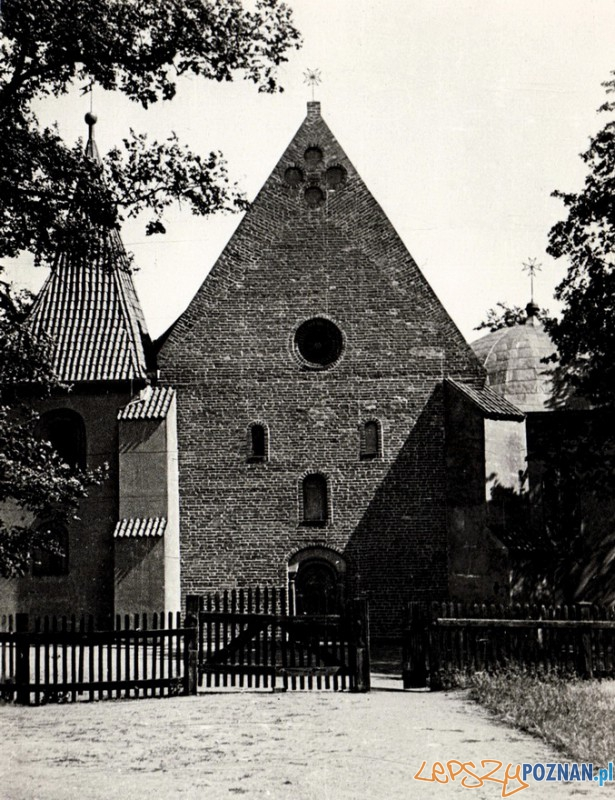 Zachodnia fasada kościoła św. Jana Jerozulimskiego (1935) Foto: P.Tyrakowski/fotopolska