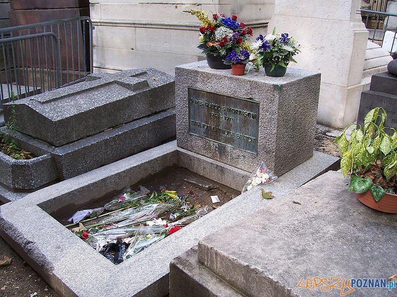 Grób Jima Morrisona w Zakątku poetów na Pere Lachaise, w Paryżu Foto: wikipedia.pl
