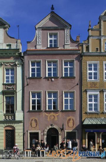 Kamienica przy Starym Rynku 48, w której zamieszkiwał m.in. burmistrz miasta Kasper Goski Foto: www.poznan.pl