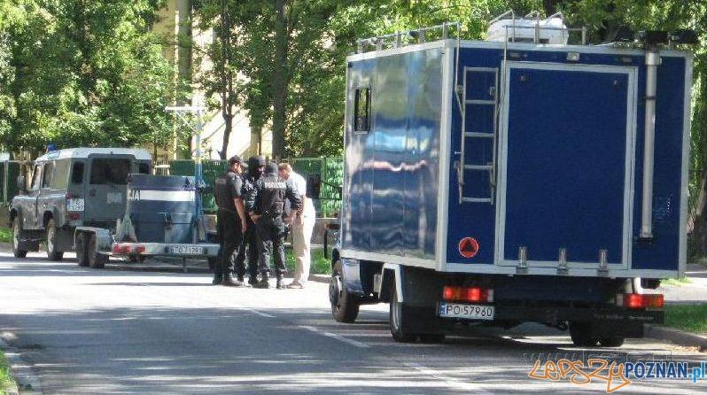 Podejrzany pakunek na Łazarzu Foto: lazarz.pl