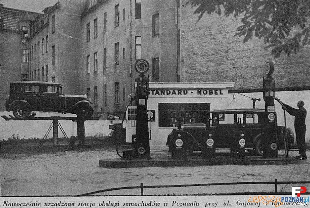 Benzynownia i stacja naprawy samochodów. (Samochód... nr 23 1930r.) Foto: fotopolska.eu