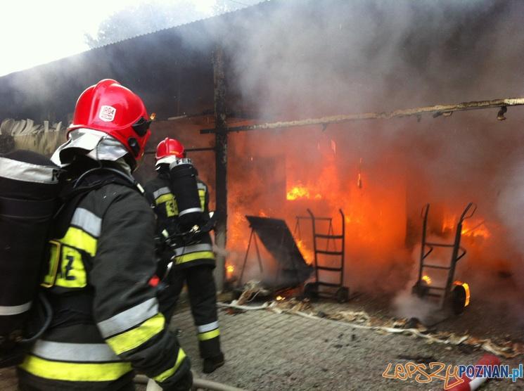 Pożar w Komornikach  Foto: JRG-4