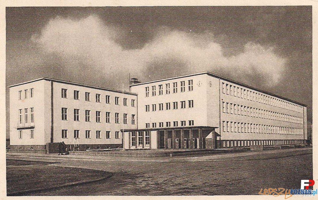 Szkoła TPD przy ul. Szamarzewskiego 89. Obecnie Wydział Nauk Społecznych UAM