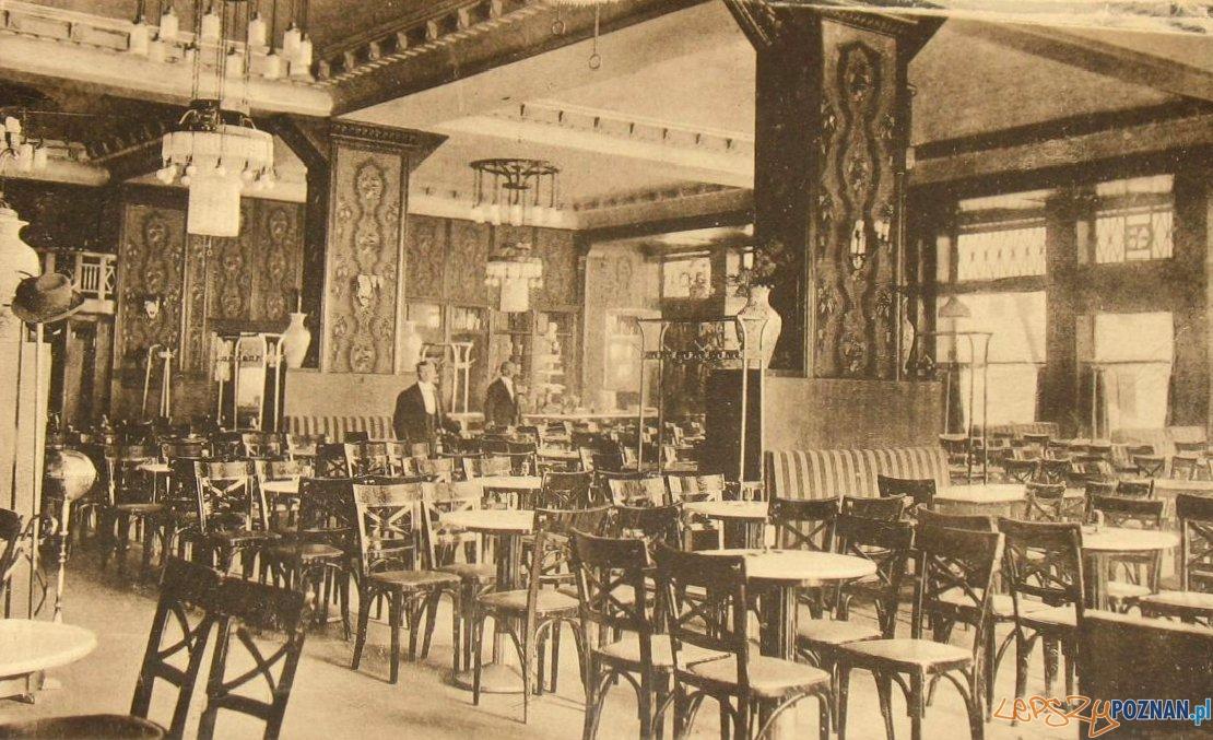 Wnętrze kawiarni Esplanad przy placu Wolności, rok 1916 Foto: fotopolska.eu
