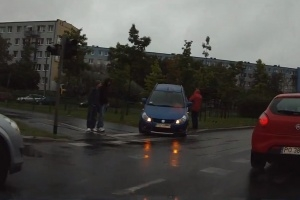 Wypadek na rondzie Solidarności Foto: plucix
