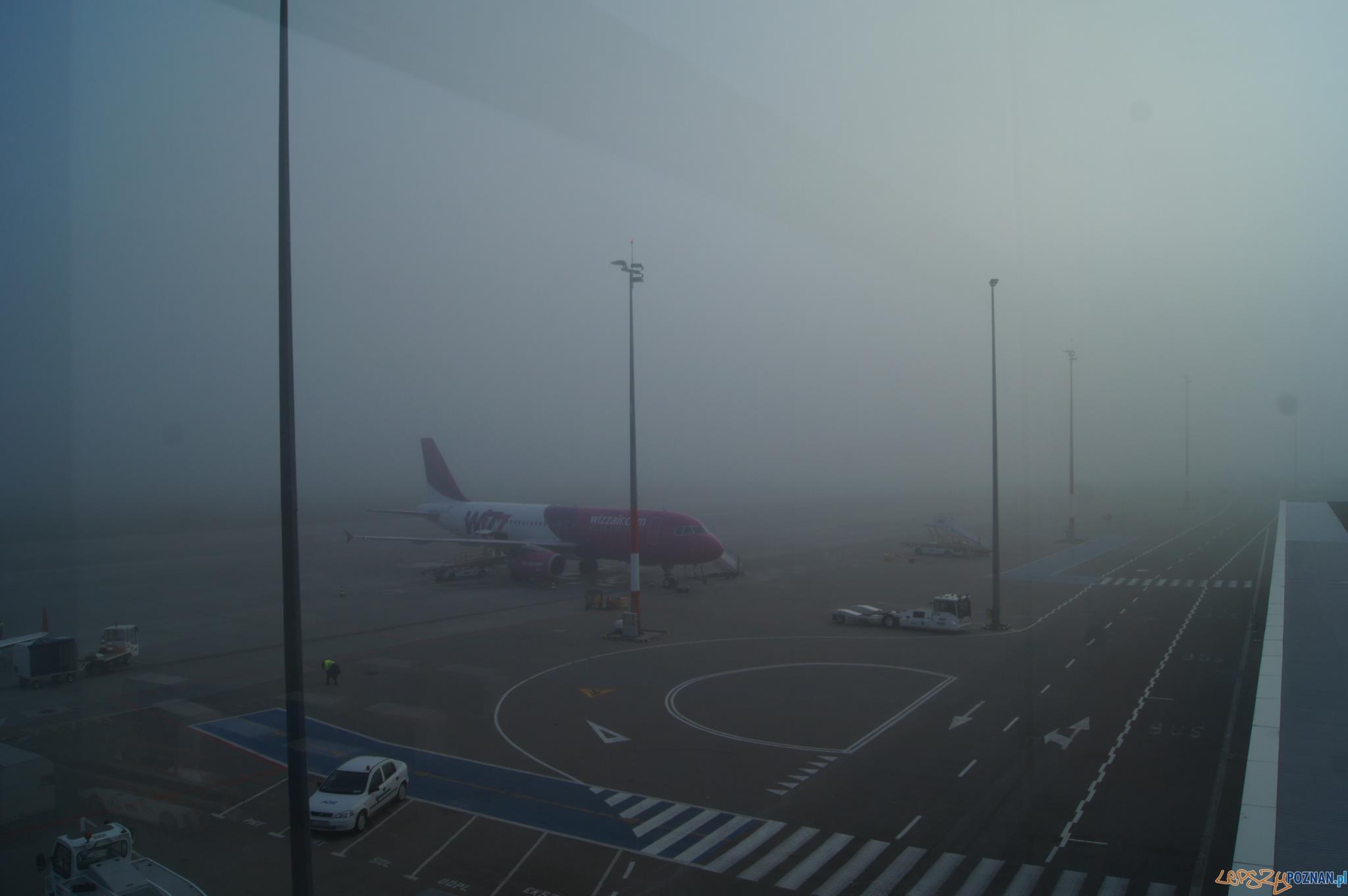 Mgła uziemiła samoloty na poznańskim lotnisku