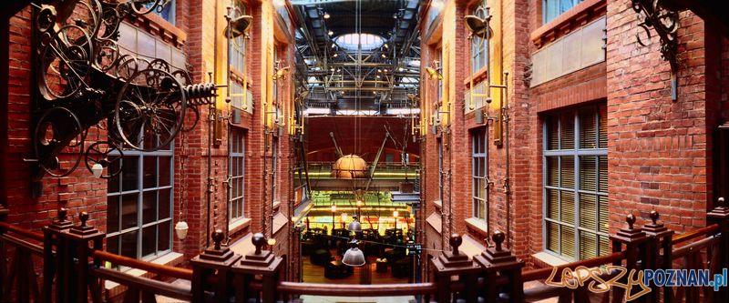 Atrium Staty Browar - instalacja Ryszarda Kai Foto: www.artists.com.pl