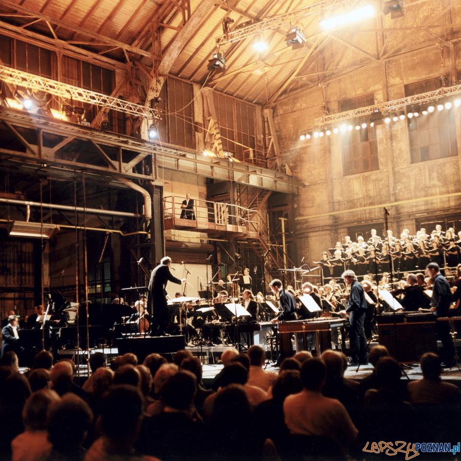 "z serii ""Rzeźba Emscherpark"", 1989-2002 - SZTUKA REWITALIZACJI - 05 Festiwal Fotodokumentu  Foto: Peter Liedtke"