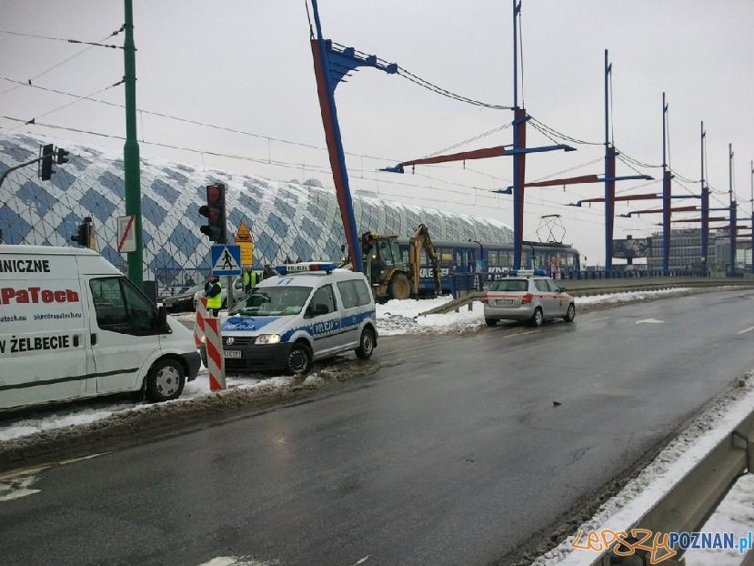 Wypadek na moście Dworcowym  Foto: Marcin