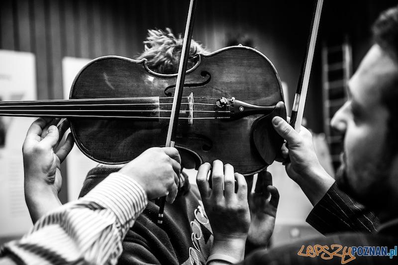 """Projekt """"Pięć zmysłów. Pauza"""" - Zdjęcie nagrodzone w konkursie BZ WBK Press Foto  Foto: Marek Lapis"""