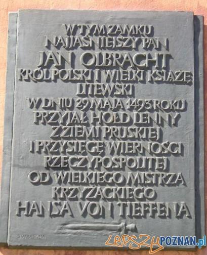 Hołd pruski w Poznaniu, tablica Foto: poznan.blox.pl