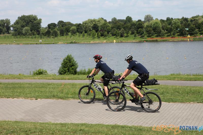 Policjanci na rowerach (3)