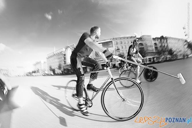 bikepolo  Foto: bike-polo.blogspot.com