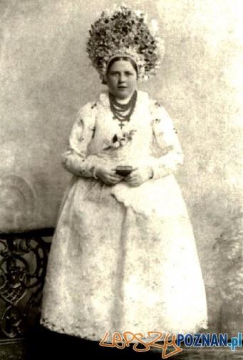 Bamberka w stroju świątecznym (pocz XX wieku) Foto: poznanczyk.com