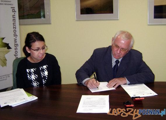 Podpisanie umowy o dofinansowanie budowy kanalizacji w Mrowinie  Foto: Urząd Gminy Rokietnica