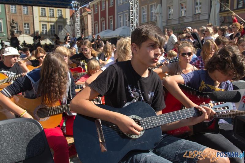 Happening Gitarowy - Stary Rynek 25.08.2013 r.  Foto: lepszyPOZNAN.pl / Piotr Rychter