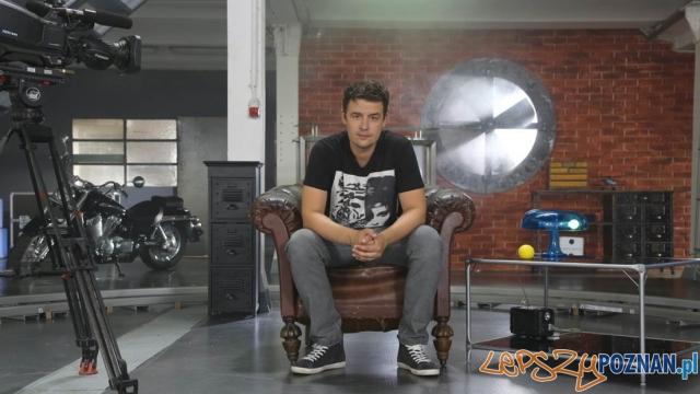 Kuba Klawiter w studiu programu Nowy Gadżet Foto: TVN