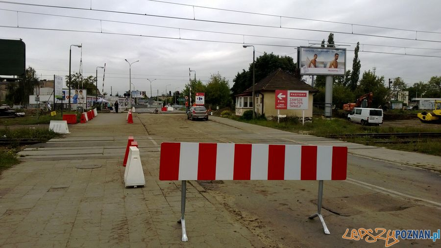 Zamknięty przejazd kolejowy na Dębcu (1)  Foto: TD